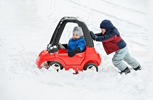 Tuesday Tidbit – Winter Driving Tips and Emergency Kits outtaspaceorganizing.com